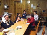 Kinder im Kinder-Reha-Zentrum in Gagarina