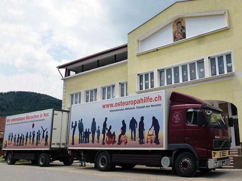 Sattelschlepper der Osteuropahilfe