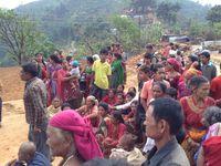 Hilfsgüter Verteilung in Alam Dala 6