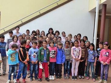 Gruppenfoto mit Kinder des Kindezentrums
