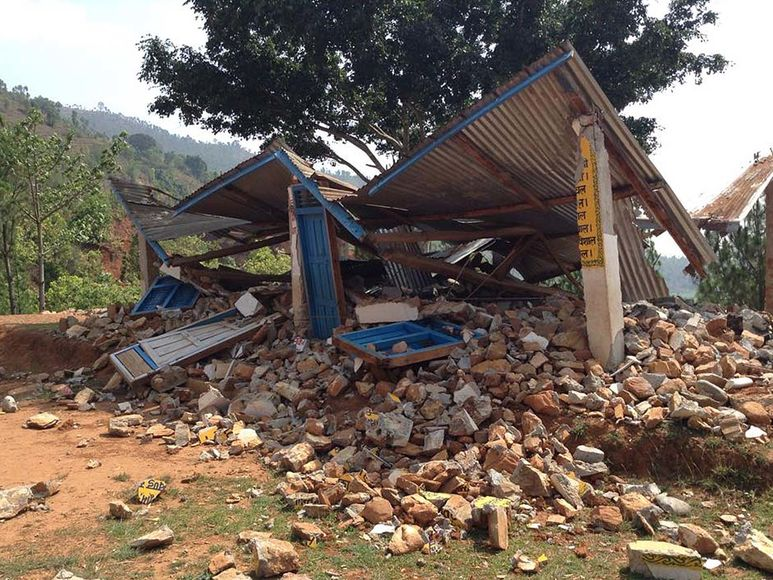 Zerstörte Schule in Setidevi