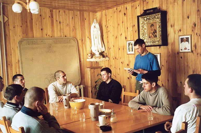 Gesprächsrunde im Reha-Zentrum