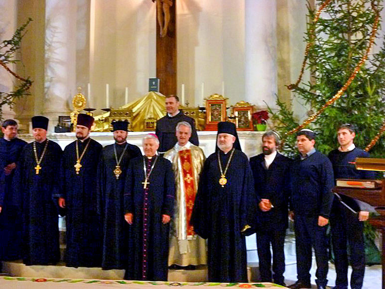 Juden-Christen, ukrainischer Direktor, Vitaly Tyron, Sr. Tamara, Olga und der Gründer der Osteuropahilfe P. Rolf-Philipp Schönenberger