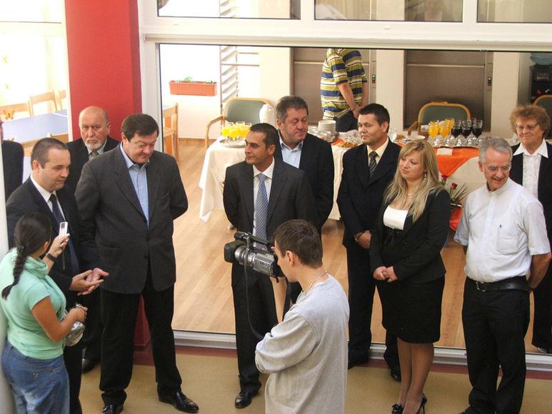 Der Ratspräsident von Caraș-Severin, Sorin Frunzăverde, besucht das Kinderzentrum