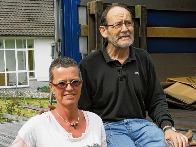 Simone Bolhuis, die Heimleiterin des Beschäftigungs- und Wohnheims «Am Birsig» und Christoph Oser von der «Osteuropahilfe»