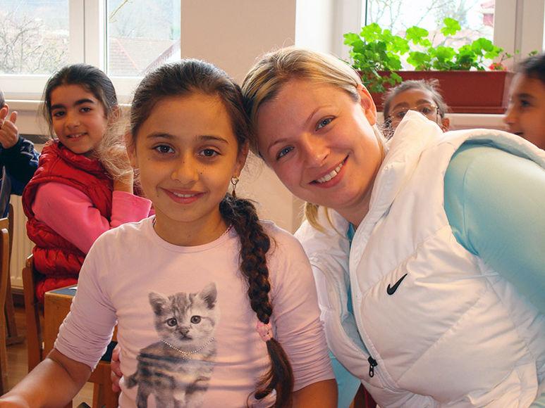 Daniela Cismăneanţu mit einem Mädchen