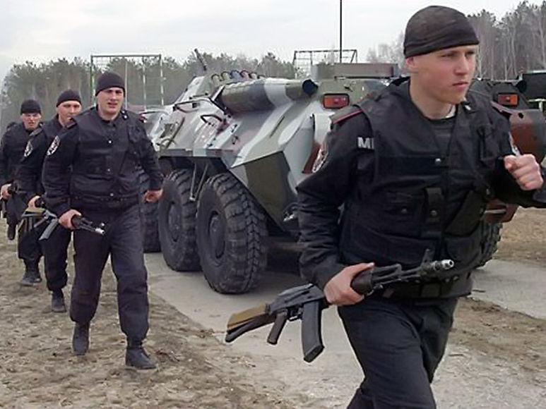 Soldaten rücken ein
