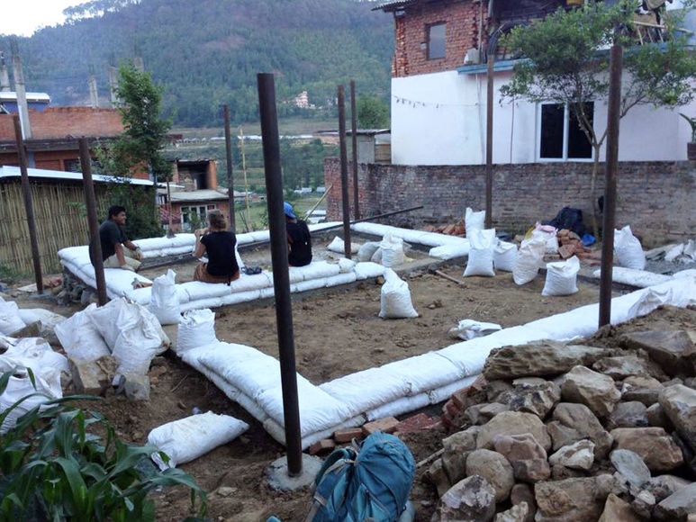 Grundbauten für die Hütten