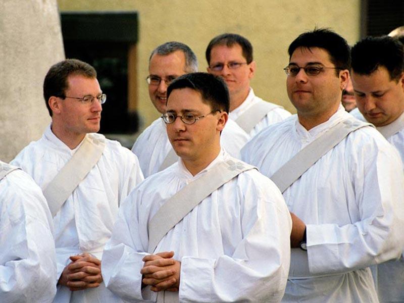 Priester in Ausbildung