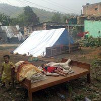 Nepal-150507-015