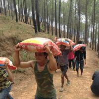 Nepal-150508-009