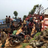 Nepal-150508-012